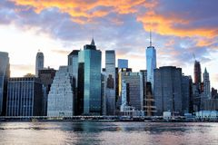 Panorama d'horizon de coucher du soleil de New York City Manhattan Photos libres de droits