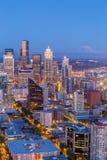 Panorama d'horizon de Seattle au coucher du soleil Image stock