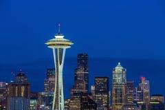Panorama d'horizon de Seattle au coucher du soleil comme vu de Kerry Park Photo libre de droits