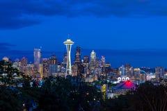 Panorama d'horizon de Seattle au coucher du soleil comme vu de Kerry Park Images libres de droits