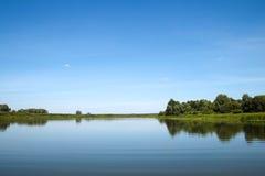 Panorama d'une rivière Photographie stock