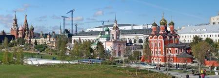 Panorama da área histórica e igrejas velhas do p novo Fotografia de Stock