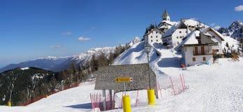 Panorama da aldeia da montanha Fotos de Stock Royalty Free