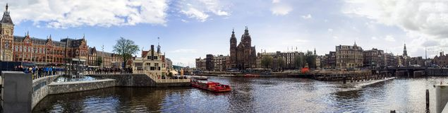 Panorama da alta resolução da skyline de Amsterdão Imagens de Stock Royalty Free