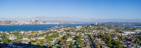 Panorama da antena da skyline da cidade de Auckland imagem de stock royalty free