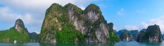 Panorama da baía de Halong, Vietname, 3Sudeste Asiático Imagens de Stock