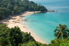 Panorama da baía de Kamala Beach em Phuket Fotografia de Stock