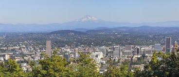 Panorama da baixa da capa da montagem da arquitectura da cidade de Portland Foto de Stock Royalty Free