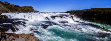 Panorama da cachoeira bonita de Gullfoss em Islândia 11 06,2017 Fotografia de Stock Royalty Free