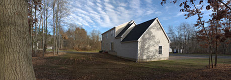 Panorama da casa e do quintal Foto de Stock