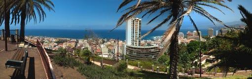 Panorama da cidade de Puerto de la Cruz no norte de Tenerife Imagem de Stock Royalty Free