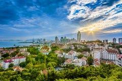 Panorama da cidade de Qingdao imagem de stock