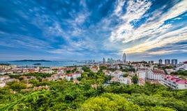 Panorama da cidade de Qingdao fotos de stock royalty free