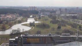 Panorama da cidade do telhado da construção video estoque