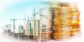 Panorama da construção no dinheiro do fundo Imagens de Stock