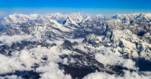 Panorama da cordilheira de Himalaya Everest imagens de stock