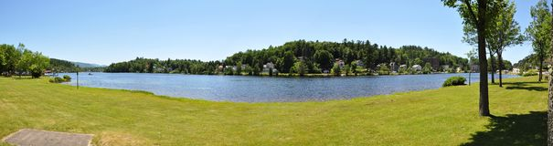 Panorama da flor do lago no lago Saranac, New York Foto de Stock Royalty Free