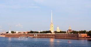 Panorama da fortaleza de Peter e de Paul em St Petersburg Foto de Stock Royalty Free