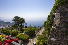 Panorama da ilha de Capri de Monte Solaro, em Anacapri Fotos de Stock
