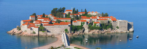 Panorama da ilha de Sveti Stefan fotografia de stock