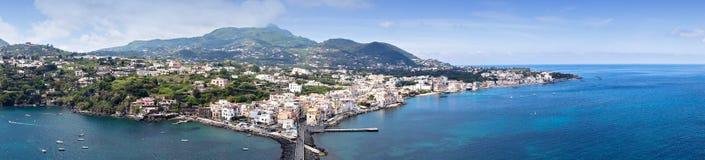 Panorama da ilha dos ísquios Foto de Stock Royalty Free