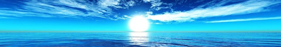Panorama da luz sobre o oceano, o nascer do sol do por do sol do mar Fotografia de Stock Royalty Free