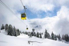 Panorama da montanha, cena do inverno Foto de Stock