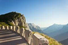 Panorama da montanha de uma curva Imagens de Stock Royalty Free