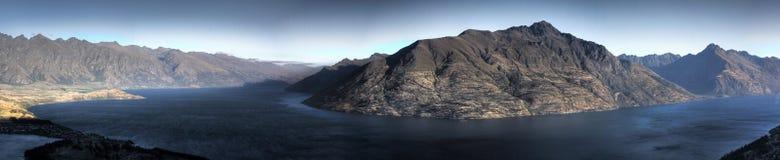 Panorama da montanha e da água Foto de Stock Royalty Free