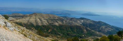 Panorama da montanha e do mar Imagens de Stock Royalty Free