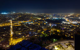 Panorama da noite de Atenas do monte de Lycabettus Fotos de Stock