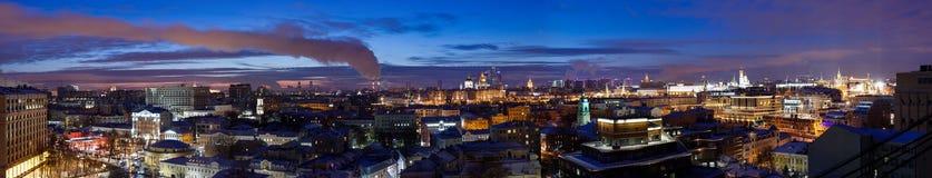 Panorama da noite de Moscou fotos de stock royalty free