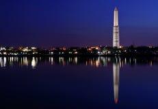Panorama da noite de Washington Monument Skyline imagem de stock royalty free