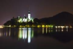 Panorama da noite do lago sangrado em Slovenia Fotografia de Stock Royalty Free