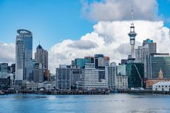 Panorama da opinião da arquitetura da cidade de Auckland Nova Zelândia fotografia de stock