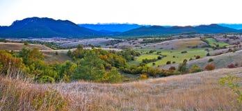 Panorama da paisagem do outono da região de Lika Foto de Stock
