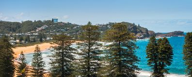 Panorama da praia de Avoca de cima de Foto de Stock