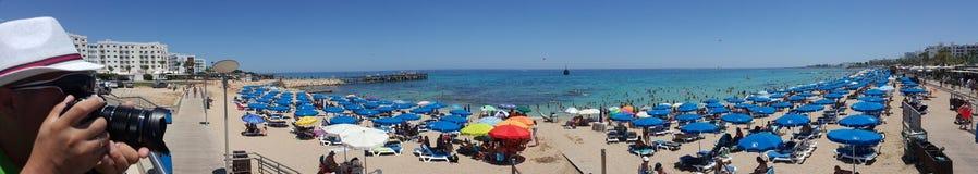 Panorama da praia em Chipre fotos de stock royalty free