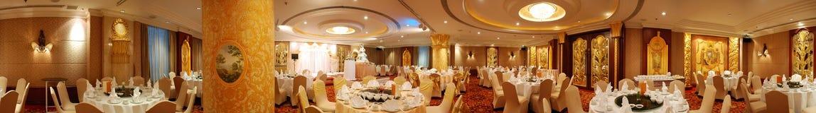 Panorama da sala de jantar do hotel Imagens de Stock Royalty Free