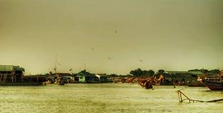 Panorama da seiva de Tonle do lago imagem de stock royalty free