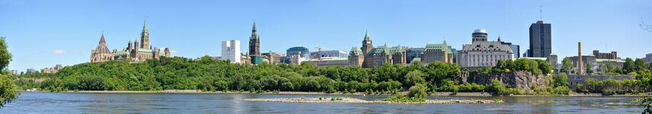 Panorama da skyline de Ottawa Foto de Stock Royalty Free