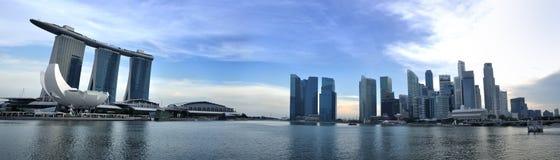 Panorama da skyline e do rio de Singapore Imagens de Stock Royalty Free
