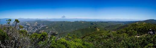 Panorama da vista máxima de Montara da cimeira do leste para montar Diablo fotografia de stock