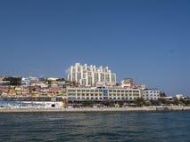 Panorama dal mare alla città di Yeosu Immagini Stock