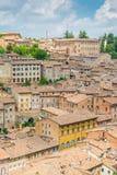 Panorama dal palazzo ducale a Urbino, città e sito del patrimonio mondiale nella regione della Marche di Italia Fotografie Stock Libere da Diritti