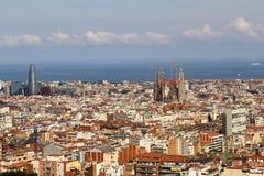 Panorama dalla città di Barcellona dalla sosta Guell fotografia stock