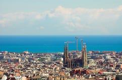 Panorama dalla città di Barcellona dalla sosta Guell da Gaudi Immagini Stock