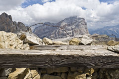 Panorama das dolomites de uma primeira trincheira da guerra mundial Fotografia de Stock
