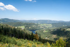 Panorama das montanhas de Beskid Slaski com Jezioro Czernianskie Foto de Stock Royalty Free