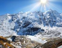 Panorama das montanhas dos alpes Foto de Stock